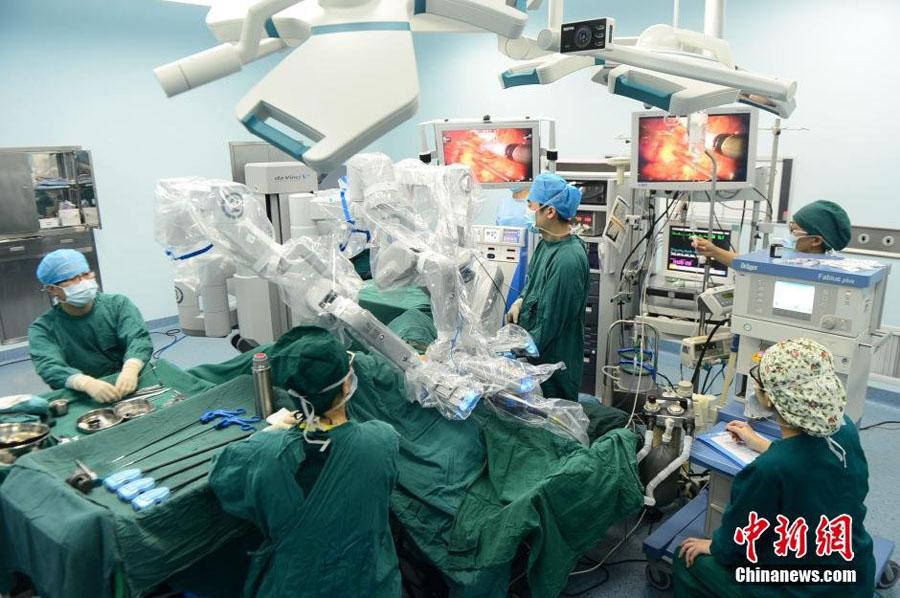 安徽成功实施首例机器人手术